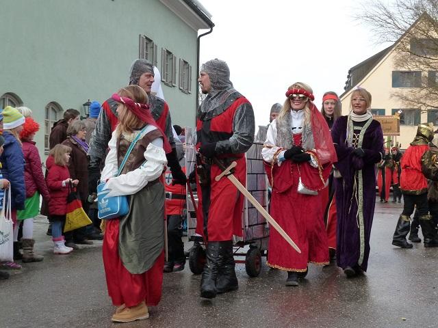 Ritter und Burgfräulein im Fasching