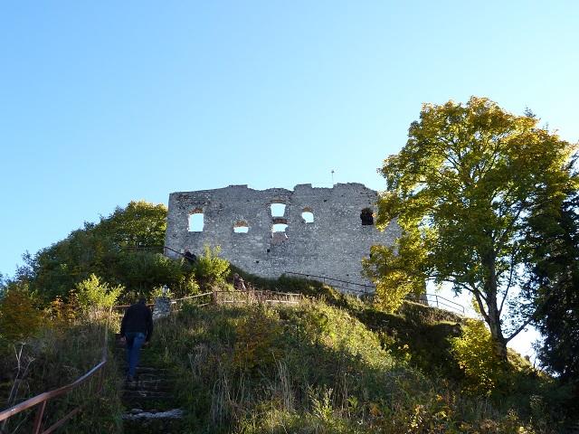 Aufstieg zur Burgruine Falkenstein