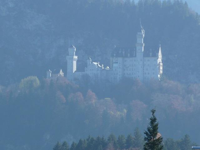 Schloss Neuschwanstein im Dunst