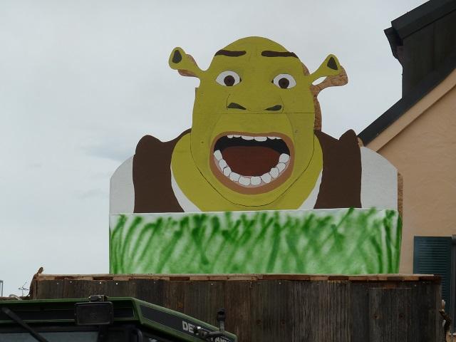 Faschingsumzug-Obg-18-Shrek