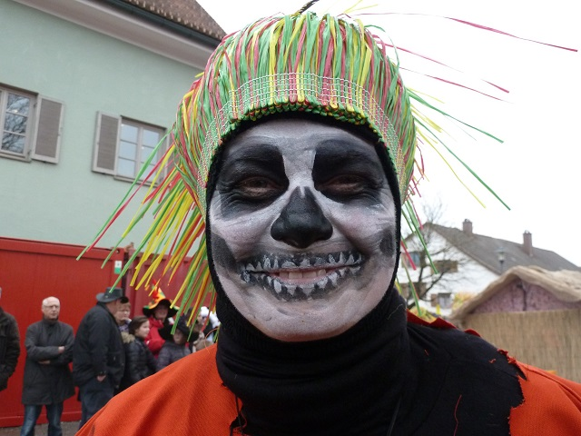 gruselige Voodoo-Frau auf dem Faschingsumzug Obergünzburg 2016