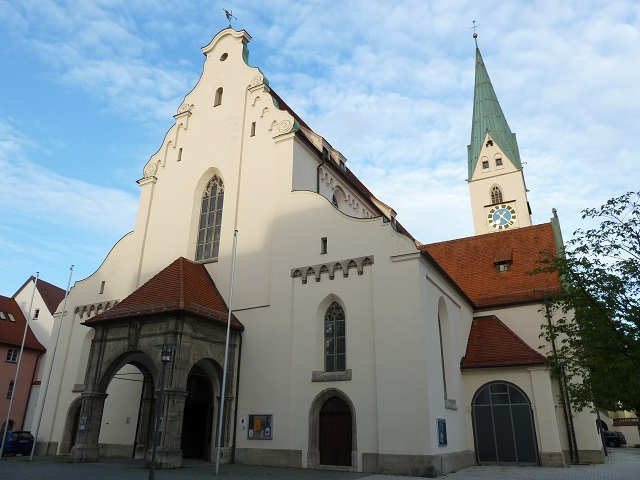 Außenansicht der St. Mang-Kirche in Kempten