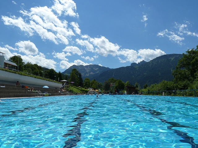 Infinity-Pool im Alpenbad Pfronten