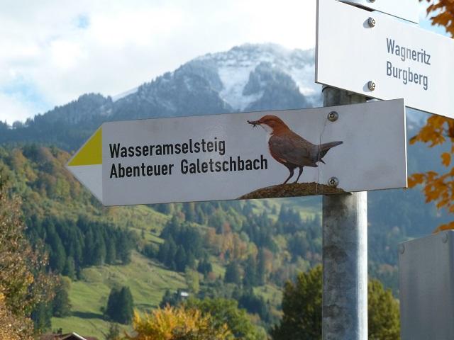 Wegweiser zum Abenteuer Galetschbach in Rettenberg