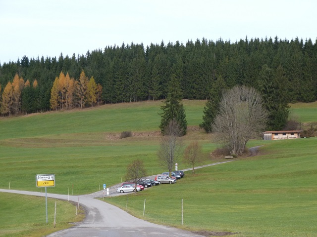 Wanderweg bei Zell zu den Burgruinen Eisenberg und Hohenfreyberg
