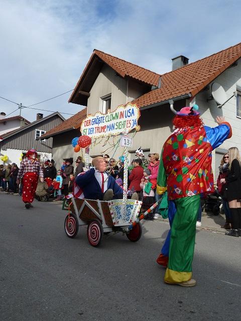 Clowns mit Trump