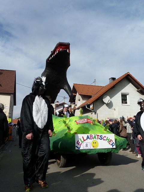 Faschingsumzug Ronsberg 2017 - Lellabätscher Untrasried mit Stinktier