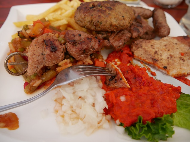 Balkan-Grillteller im Landgasthof Mariaberg