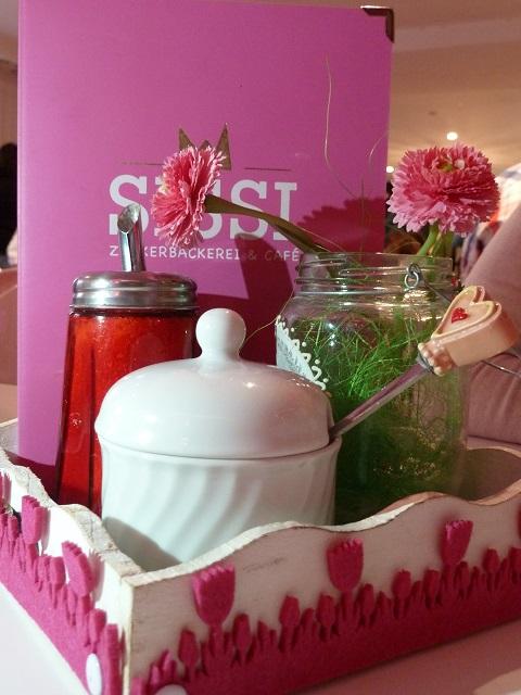 Café Sissi Karte und Tischdeko