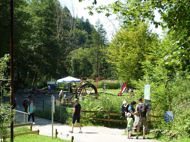 Wasserspielplatz an den Scheidegger Wasserfällen