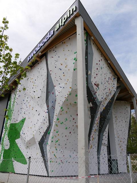 Outdoorkletterwand im swoboda alpin in Kempten