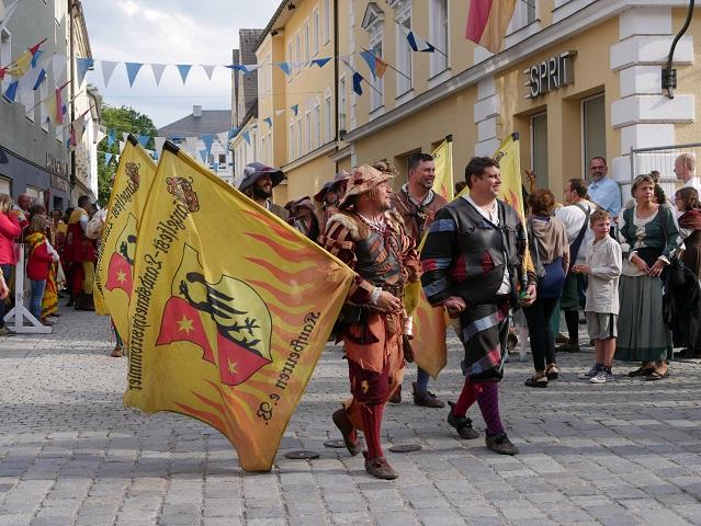 Landsknechtsrommler bei der Eröffnung zum Lagerleben auf dem Tänzelfest