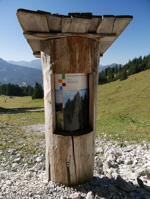 Informationsrolle am Rundwanderweg Seealpe
