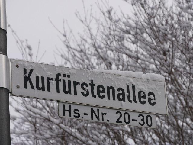 Straßenschild Kurfürstenallee Marktoberdorf