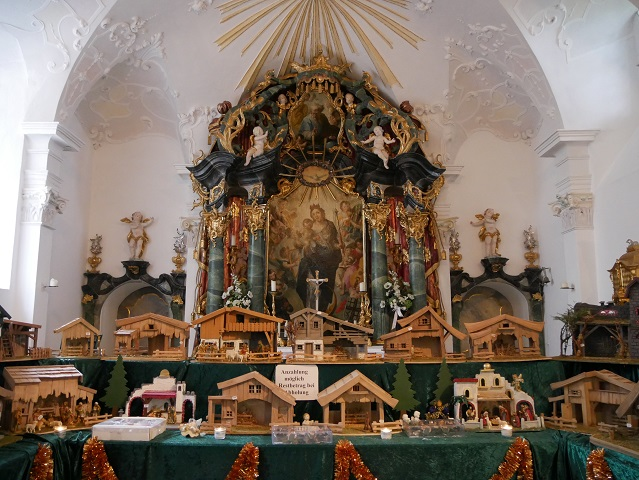 Weihnachtsmarkt Schloss Kronburg - Krippenausstellung in der Schlosskapelle