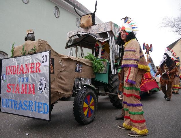 Indianer vom Stamm Untrasried auf dem Faschingsumzug Obergünzburg 2018