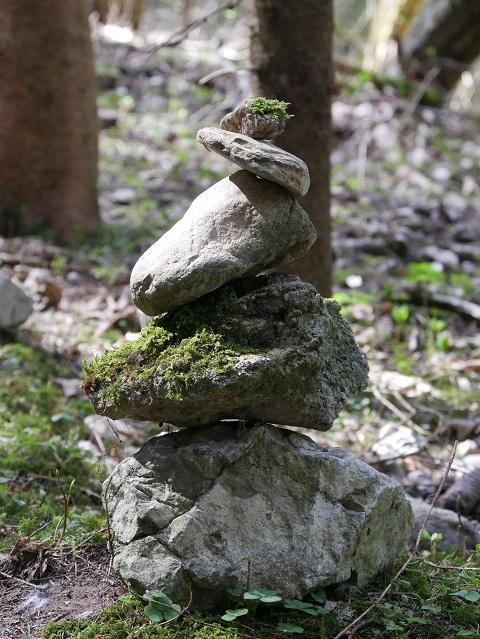 Ein (Stein-)Männlein steht im Walde ...
