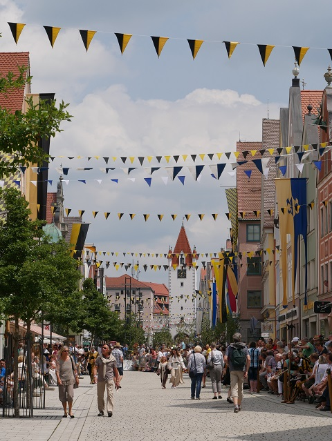 Frundsbergfest Mindelheim - kurz vor dem großen Festumzug