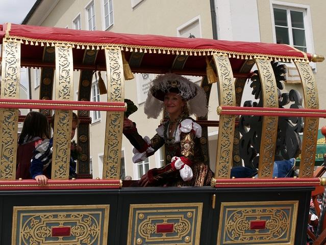 Kaiserin Maria Bianca Sforza in ihrer Kutsche