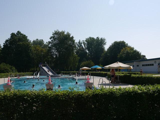 Schwimm- und Erlebnisbecken im Freibad Leutkirch