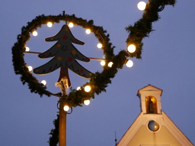 festliche Weihnachtsbeleuchtung in Mindelheim