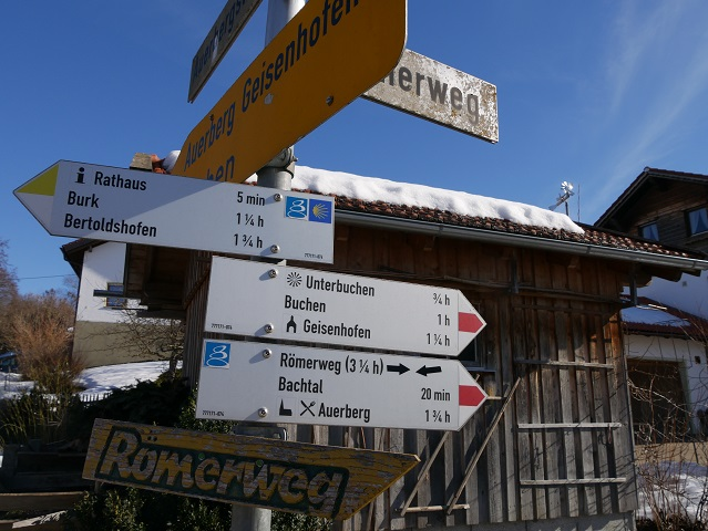 Hinweisschild zum Römerweg in Stötten
