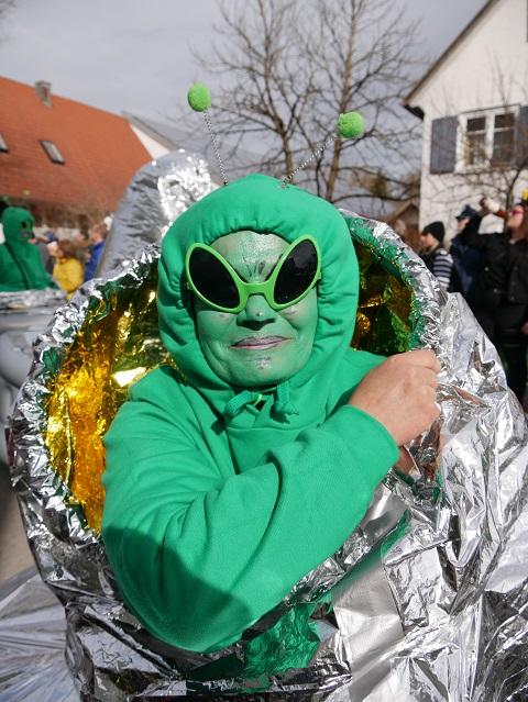 Faschingsumzug Obergünzburg 2019 - Außerirdische Besucherin