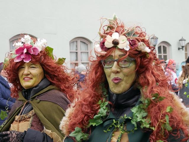 Betzigauer Waldkexen auf dem Faschingsumzug Obergünzburg 2020