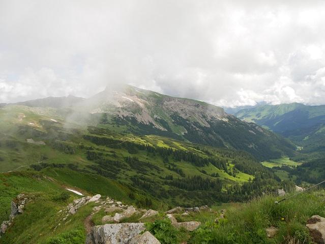 Blick vom Steinmandl-Gipfel auf den Hohen Ifen