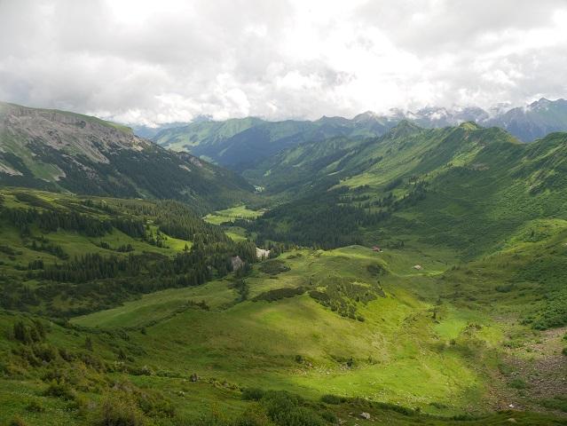 Blick vom Steinmandl-Gipfel ins Schwarzwassertal