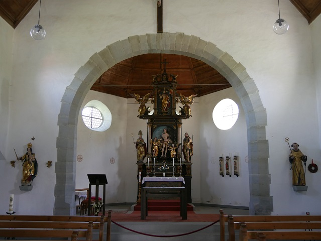 Innenansicht der Kapelle St. Sebastian in Weiler