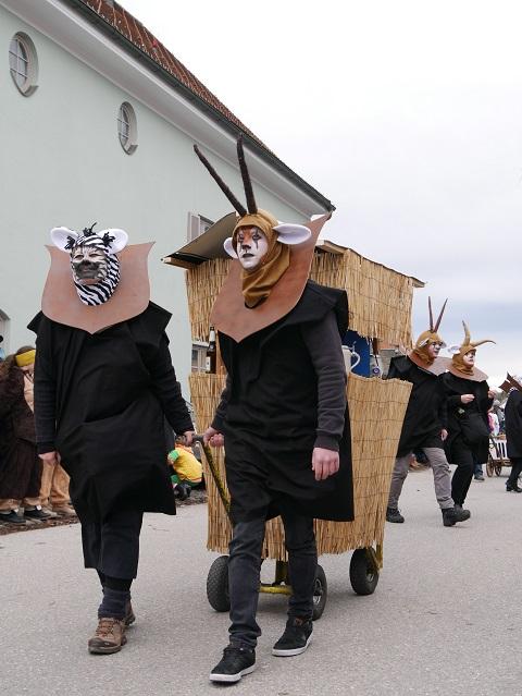 laufende Jagdtrophäen auf dem Faschingsumzug Obergünzburg 2020