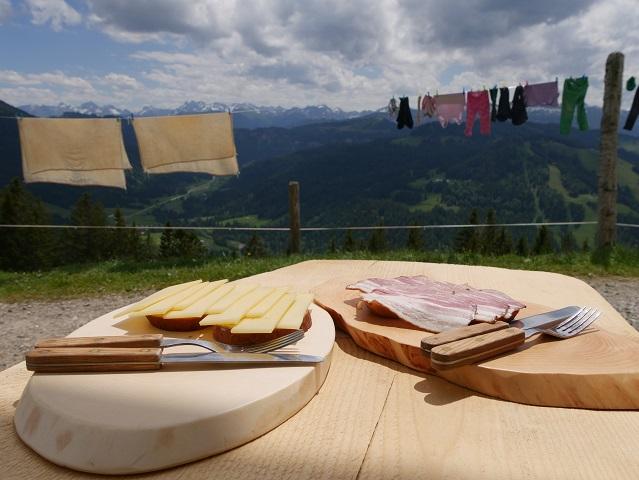 Brozteit auf der Alpe Spicherhalde bei Balderschwang - wandern und genießen