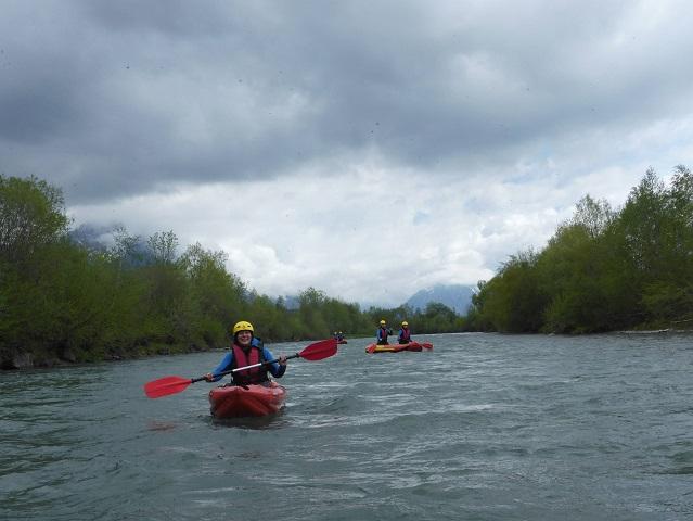 Kajak und Canadier beim Rafting auf der Iller