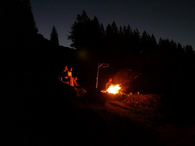 Lagerfeuer an der Burgl-Hütte