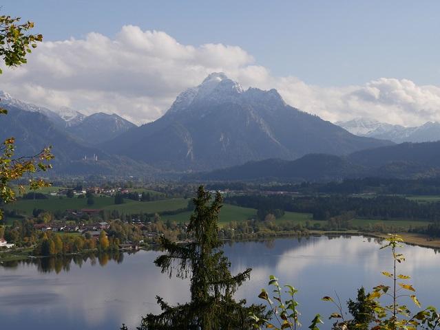 Neuschwansteinblick von der Burgruine Hopfen aus