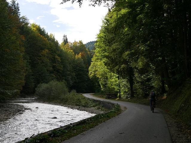 Radeln am Halblech in Richtung Kenzenhütte