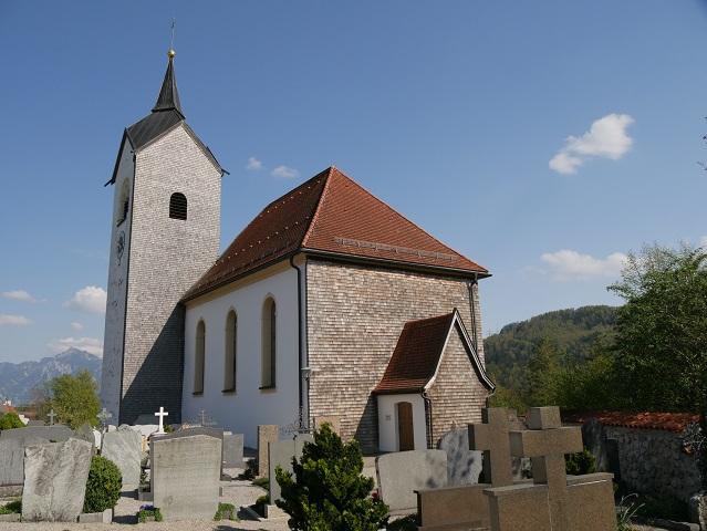die Kirche St. Walburga am Weißensee
