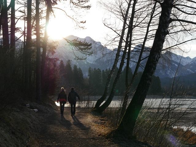 Wanderung bei Schwangau am Forggensee im Winter