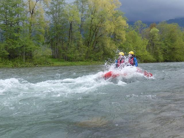 Spritziges Vergnügen: Rafting auf der Iller