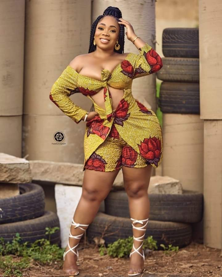 Actress Moesha Boduong, says the Ghanaian movie industry has been changed by the advent of social media.  According to her, social media has taken the industry to another level, making it easier for producers and directors to scout for talent and somewhat relegating known faces.