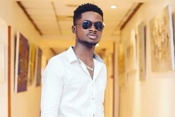 Lynx Entertainment signee Kuami Eugene has slammed fans who troll his dress code on social media; saying he uses his money on bigger projects.