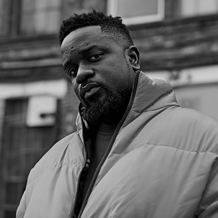 American rapper Kanye West  features RZA, Swiss Beatz, Cyhis, Pusha T, Sarkodie and Jay Z on his new tune called So Appalled.