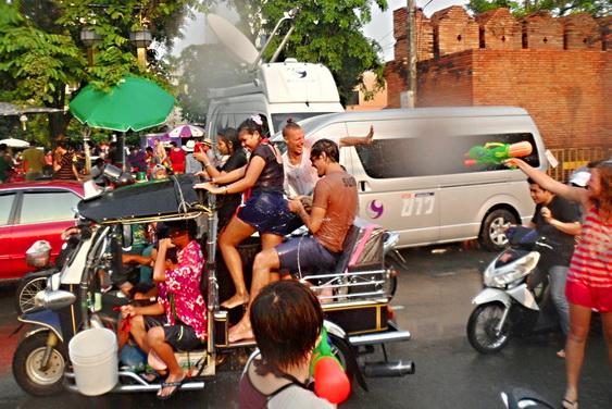 Songkran tuk tuk