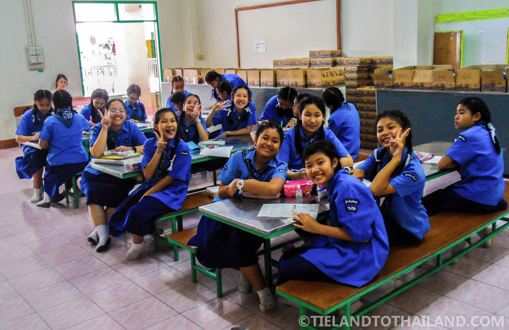 Happy Thai students!