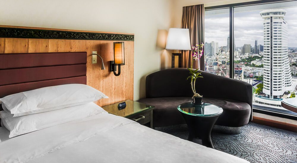 24 Hours in Bangkok: Royal Orchid Sheraton River View Room