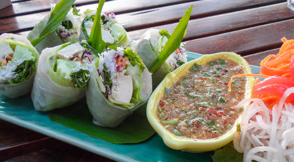 Fresh Summer Rolls - Guay Tiew Lui Suan | Food Guide to Thai Street Food