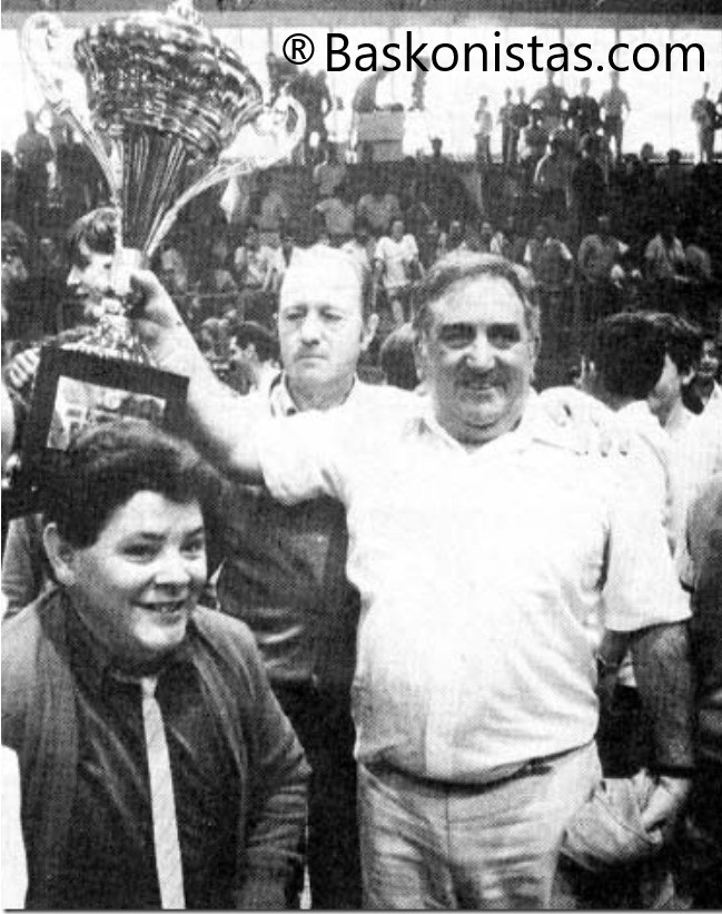 Xabier Añua entrenador Caja Álava