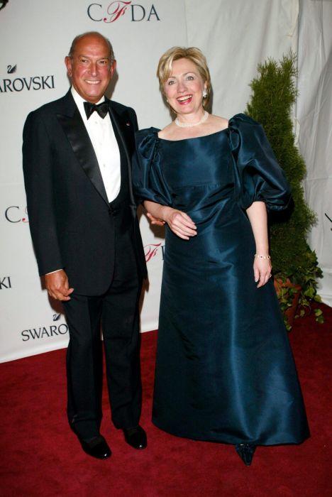 Óscar de la Renta junto a Hillary Clinton
