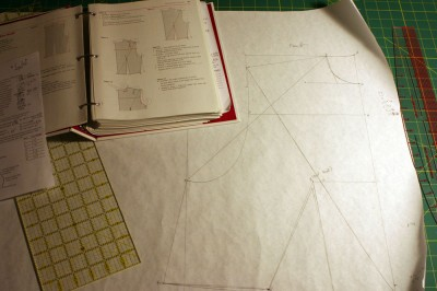 Pattern drafting as exercise in geometry